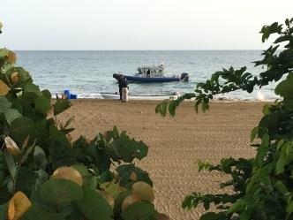 Policía interviene con 12 indocumentados en Rincón