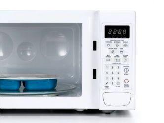 Cuidado cuando calientas alimentos en el microondas