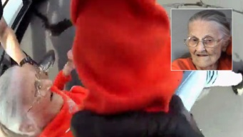 Video muestra arresto de anciana de 94 años