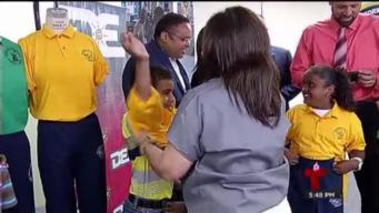 Confinados crean uniformes para estudiantes del DE