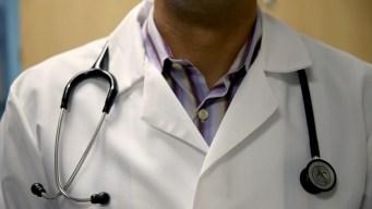 ¿Cómo se manifiesta el cáncer de mama en los hombres?