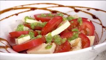 Ensalada de tomate y queso del país