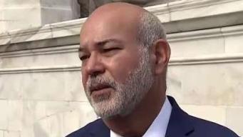 Johnny Méndez cabildea contra eliminación de impuesto