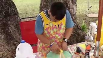 Joven especial vende deliciosas limonadas en Luquillo