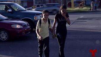 Padres y estudiantes arriesgan sus vidas para llegar a la escuela