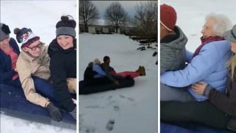Viral: abuelitos de más de 90 años se lanzan colina abajo tras nevada