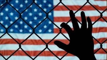 No mientas al IRS; puedes terminar deportado