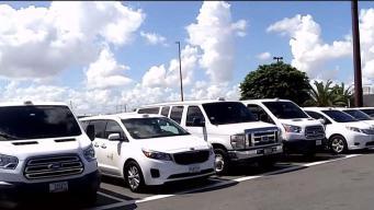 Taxistas condenan que se permita entrada de Uber al aeropuerto