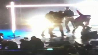 En video: se desata batalla campal en pleno concierto