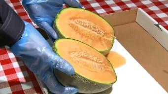 Regalan melones de $20,000 y enloquecen por un pedazo