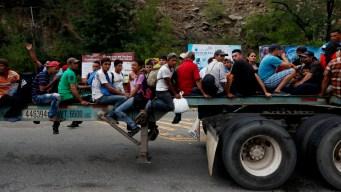 AMLO promete dar visas laborales a migrantes