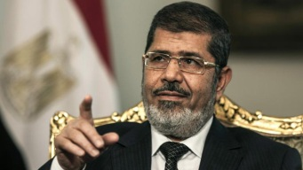 ¿Asesinato? Expresidente de Egipto muere en pleno juicio