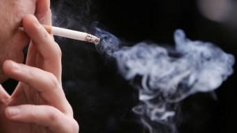 Legislan aumentar la edad mínima para venta de tabaco