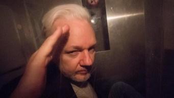 Reino Unido firma la orden de extradición de Assange a EEUU