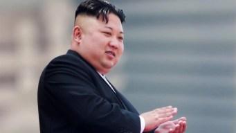Kim Jong-un dice tener botón nuclear en su escritorio