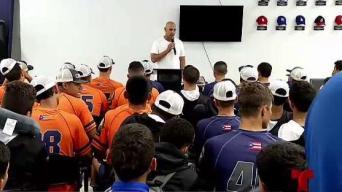 Alex Cora comparte con estudiantes de ''Carlos Beltrán Baseball Academy''