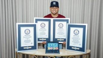 Ozuna recibe cuatro récords Guinness
