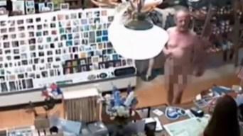"""Café al desnudo: entra a comprar bebida como """"Dios lo trajo al mundo"""""""