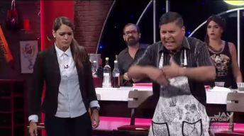 Carlos se enfrenta a Linda