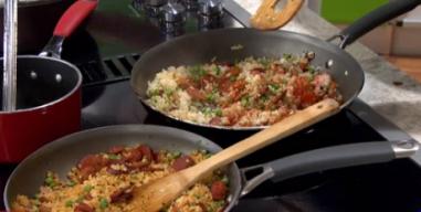 En la cocina: arroz frito con salchichón y longaniza
