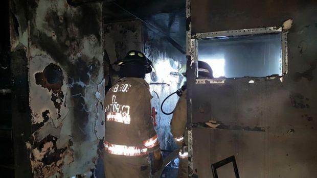 Ponce: Delincuentes prenden en fuego un apartameto tras asalto