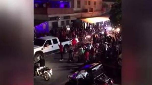 """[TLMD - PR] Abarrotadas las calles por corrida de """"four tracks"""" y motoras"""