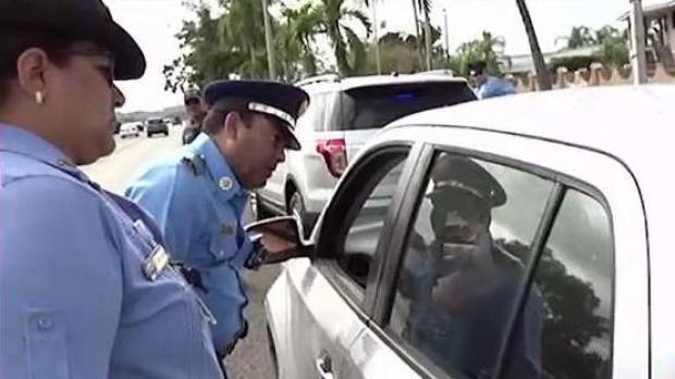 [TLMD - PR] Conductores salen contentos tras ser detenidos