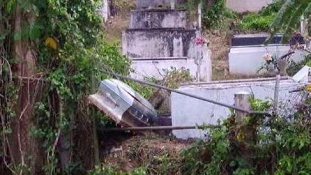 [TLMD - PR] En total abandono el cementerio municipal de Ciales