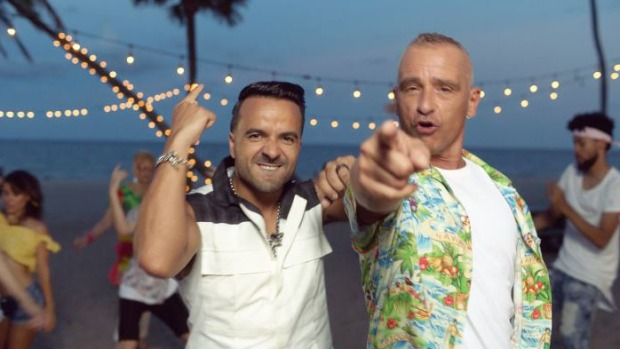 Fonsi y Ramazzotti se juntan en pintoresco video musical