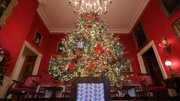 """""""Tesoros de EEUU"""": así luce la decoración navideña de la Casa Blanca"""