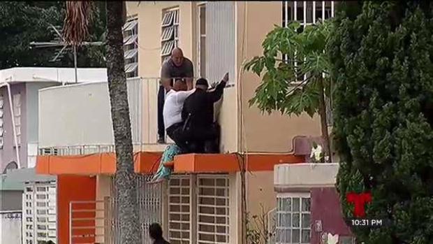 [TLMD - PR] Mujer atentaba contra su vida en Río Piedras