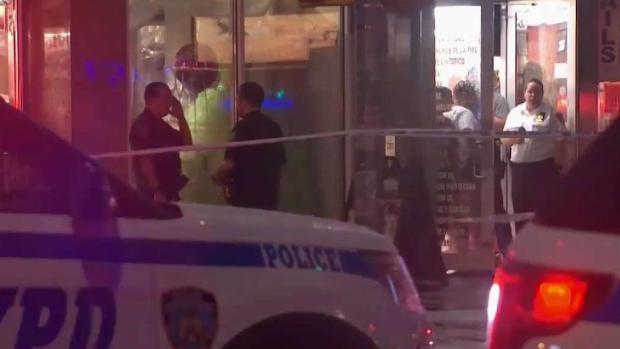 [TLMD - NY] Policía: mujer muere apuñalada a manos de su esposo