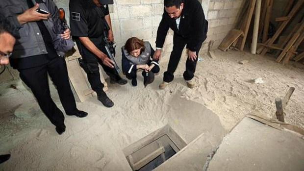 """Fotos:  El túnel por donde huyó  """"El Chapo"""" Guzmán"""