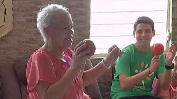 [TLMD - PR] Telemundo lleva alegría a hogar de envejecientes