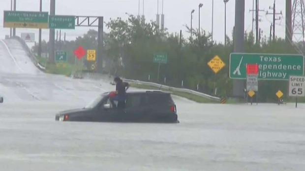 Texas no recupera la calma tras el paso de Harvey