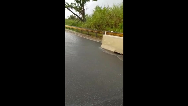 [TLMD - PR] Cierran carretera en Morovis por derrumbe