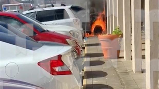 [TLMD - PR] Se quema auto de conductor baleado en centro comercial