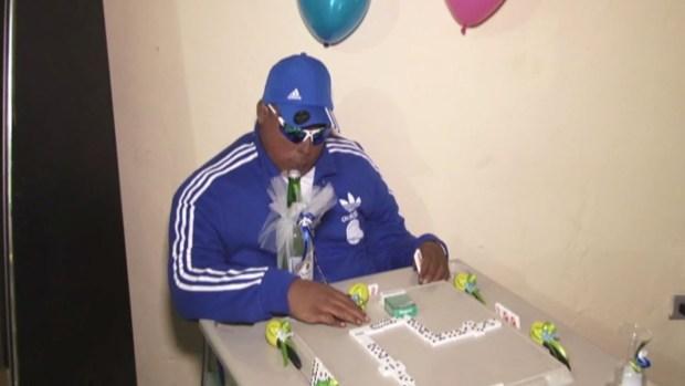 Fotos: Velan a un muerto frente a una mesa de dominó