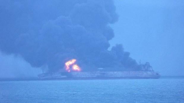 Choque de barcos deja 32 desaparecidos