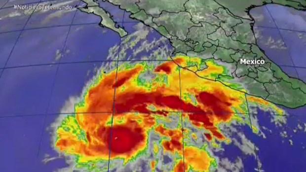 Huracán Sandra ya es categoría 3