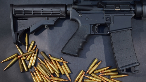 La AR-15: varias masacres, una misma arma