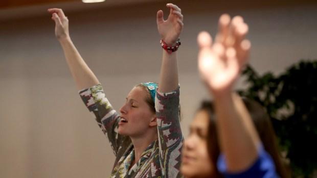 Quiénes son los pentecostales, los que hablan en lenguas