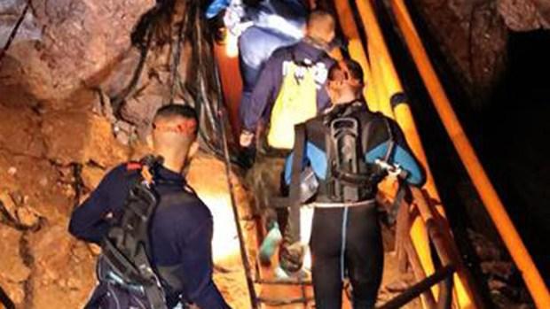 Cómo es el desesperante rescate de los niños en la cueva