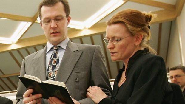 Los Testigos de Jehová, los que no celebran la Pascua