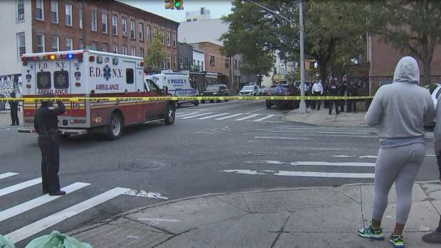 Cuatro muertos y tres heridos tras tiroteo en Brooklyn
