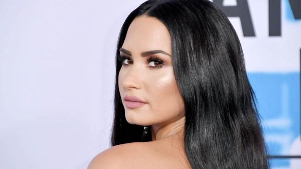 Demi Lovato celebra primer aniversario de sobriedad