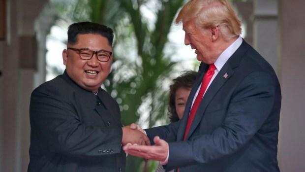 """""""Encantado de conocerle señor presidente""""; encuentro Trump y Kim"""