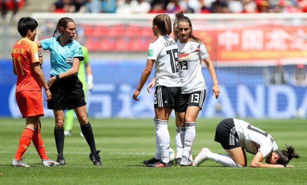 El golazo de China que no fue: Alemania se salva por un pelo
