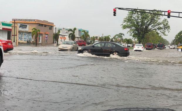 Fuertes lluvias en el área metropolitana