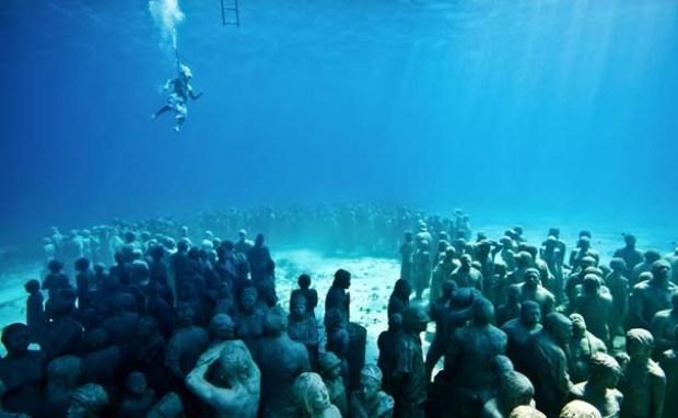 Agregan esculturas al museo submarino más grande del mundo